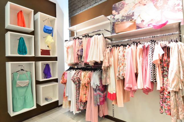 Фото - Розничная торговля женской одеждой