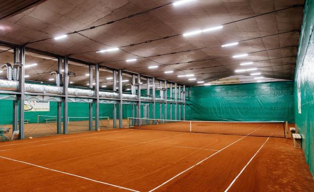 Фото - крытые грунтовые теннисные корты