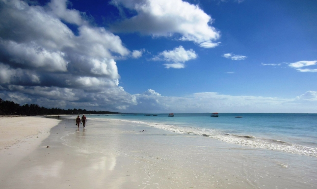 Фото - Маленький отель на побережье океана
