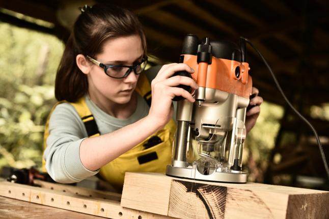 Фото - Изготовление мебели из массива различных пород дерева.